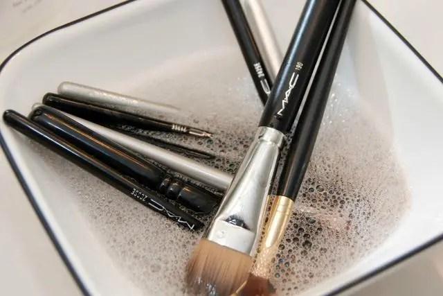 幾乎沒人知道,為什麼一化妝皮膚就會變差,原來問題出在這裡