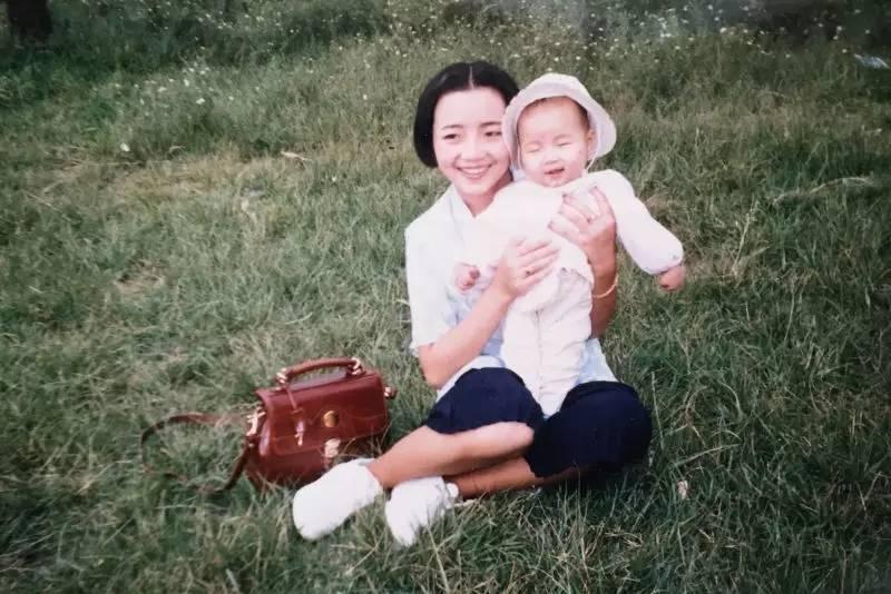 原來我們的媽媽年輕的時候也這麼有腔調!