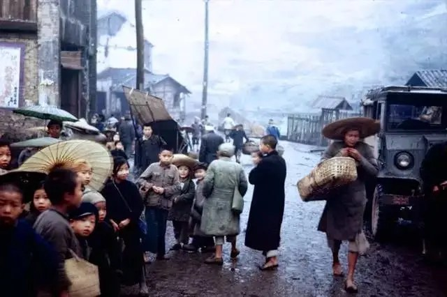 英國攝影師鏡頭下的重慶和昆明·1945年