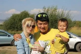 兒子帶洋媳婦和孫子回家,心疼孫子卻只有看著的份!