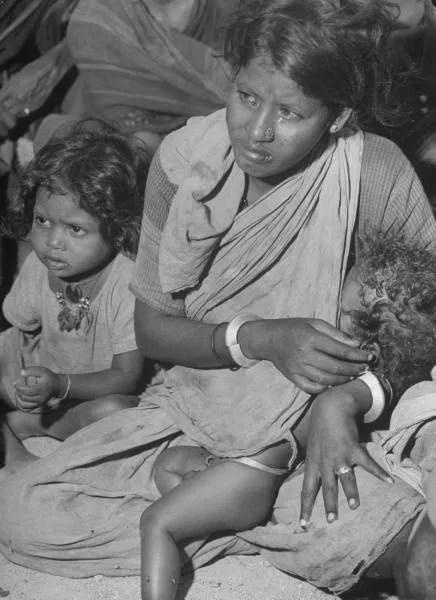 死亡300萬,美國記者拍攝的1946年印度大饑荒