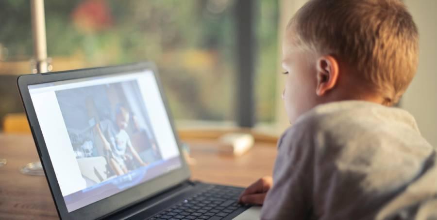 Децата и смарт технологиите