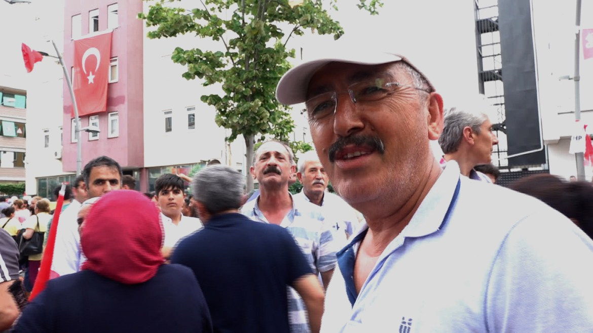 This Imamoglu supporter says the re run of the Istanbul vote is undemocratic. VOA/D. Jones)