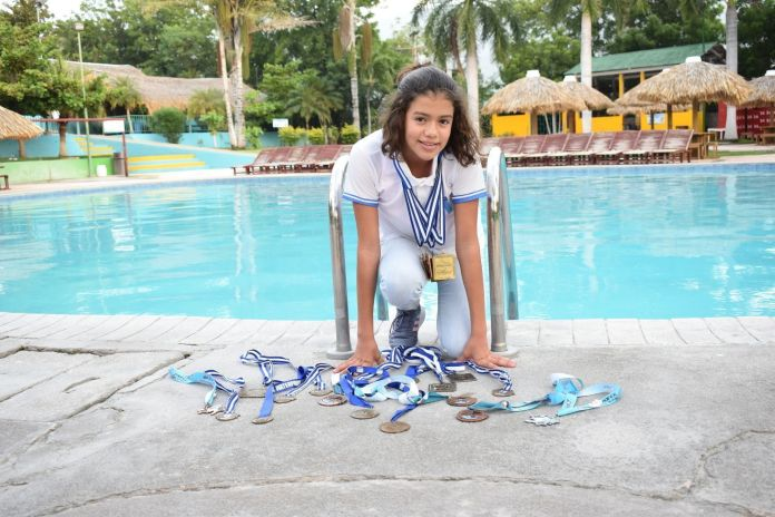 Valeria Madrid, nadadora