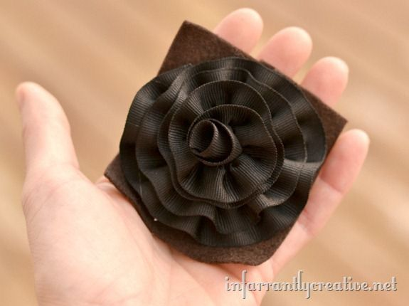 rolled-ribbon-flower