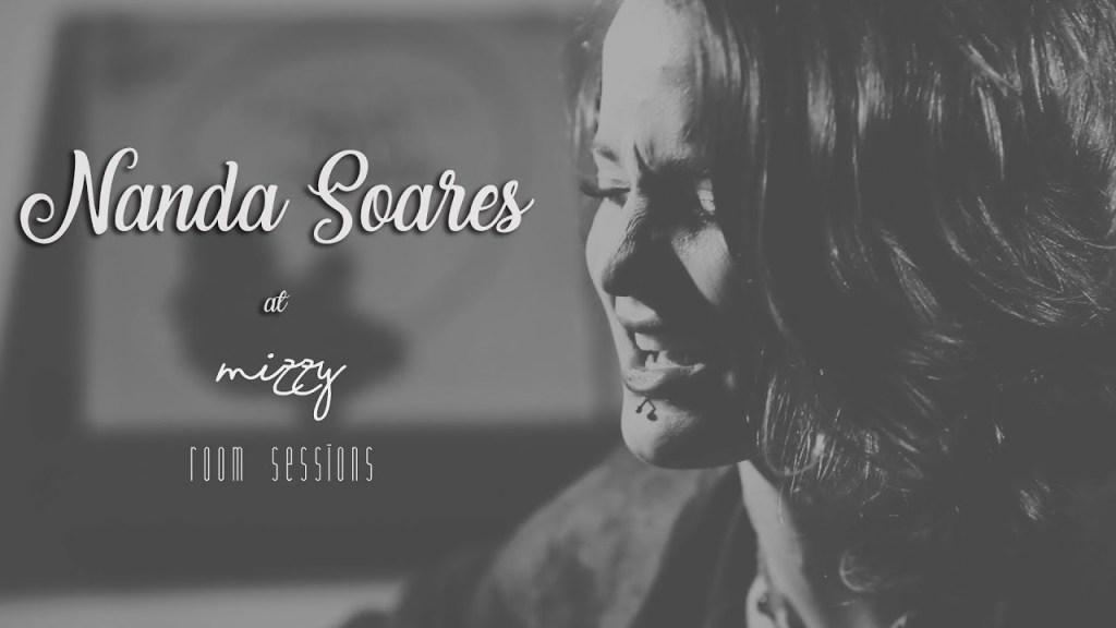 capa-nanda-soares-cenario-mizzy-room-sessions-reprodução-youtube