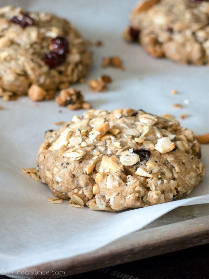 Cashew and Cranberry Breakfast Cookies   infinebalance.com #vegan #breakfast