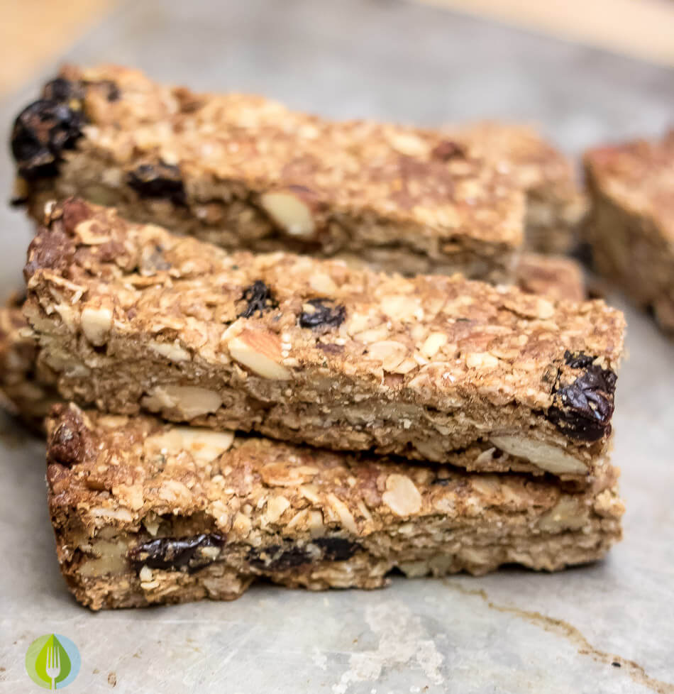 Almond and Cherry Granola Bars