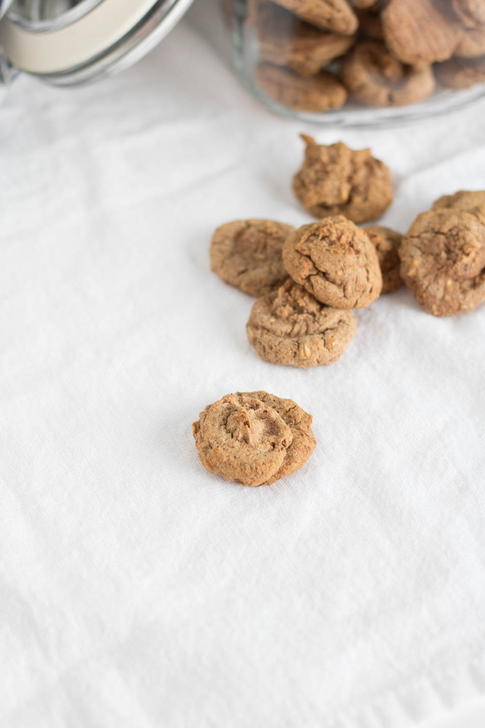 Maple Oat Puppy Treats | infinebalance.com #recipe #dog #doggie #dogtreats