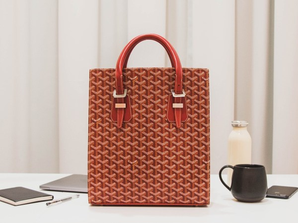 Anatomy of a Goyard Comores Tote for Work