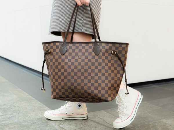 Anatomy of a Louis Vuitton Neverfull PM as a Shopper Bag