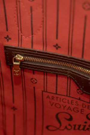Louis Vuitton Neverfull Damier Ebene PM Compartments