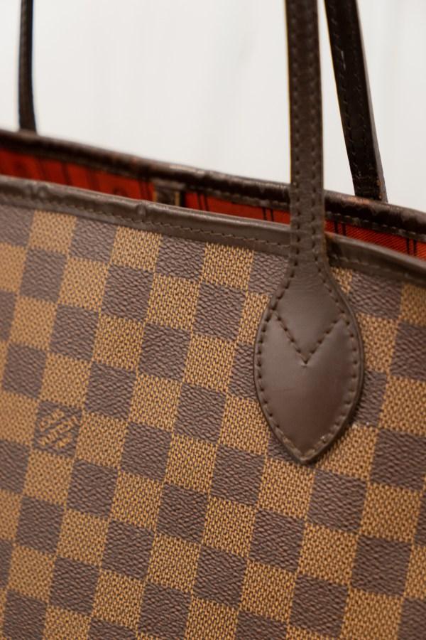 Louis Vuitton Neverfull Damier Ebene PM Close Up Material
