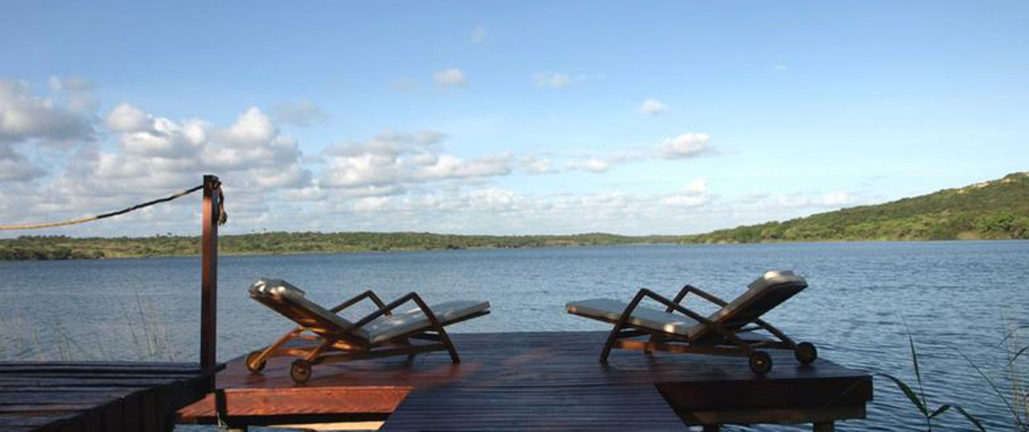 Infinite_Africa_Travel_Mozambique_Naara_Eco_Lodge_Sun_Loungers_Lake