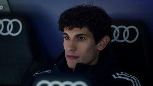 Leverkusen interested in Vallejo loan deal