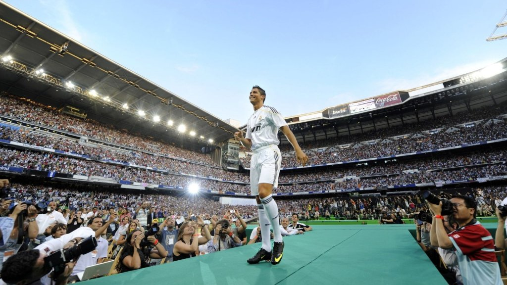 10 years since Cristiano's presentation at the Bernabéu