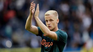 Erik ten Hag and Marc Overmars confident that van De Beek will stay