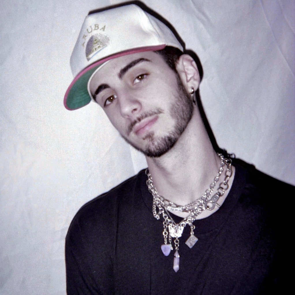 """Producer/ Engineer HipHop, Rap, R&B, Pop I have been producing, mixing, mastering, writing and recording music for the past 3 years now. Throughout my years at college, I have taken music courses, but for the most part, am self taught. I have not only taught myself HOW to mix, but have gone more in depth with studying sound, psychology behind music and the """"rule book"""" to mixing (although I strongly believe there are no rules). Within my own artistry, I tend to focus on pop/r&b/hip hop, but have mixed songs ranging from rock to EDM to country. I am looking very forward to not only helping creatives advance their sound, as well their overall artistry."""