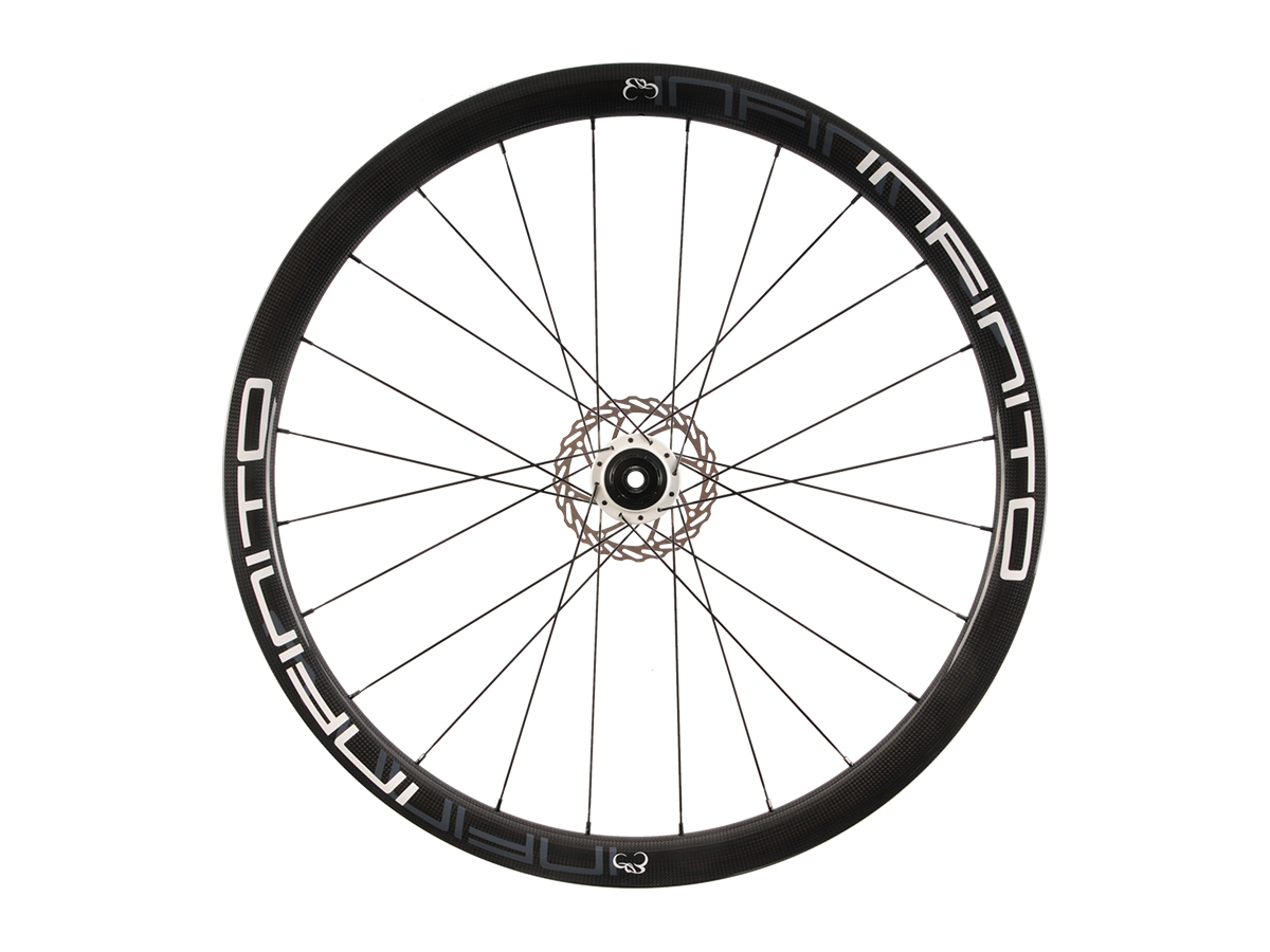 https://infinito-cycling.com/wp-content/uploads/2019/02/D4C-Witte-velg-Witte-naaf-Rear-1.jpg