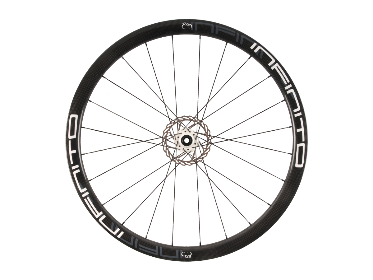 https://infinito-cycling.com/wp-content/uploads/2019/02/D4T-Witte-velg-Witte-naaf-Front-1.jpg