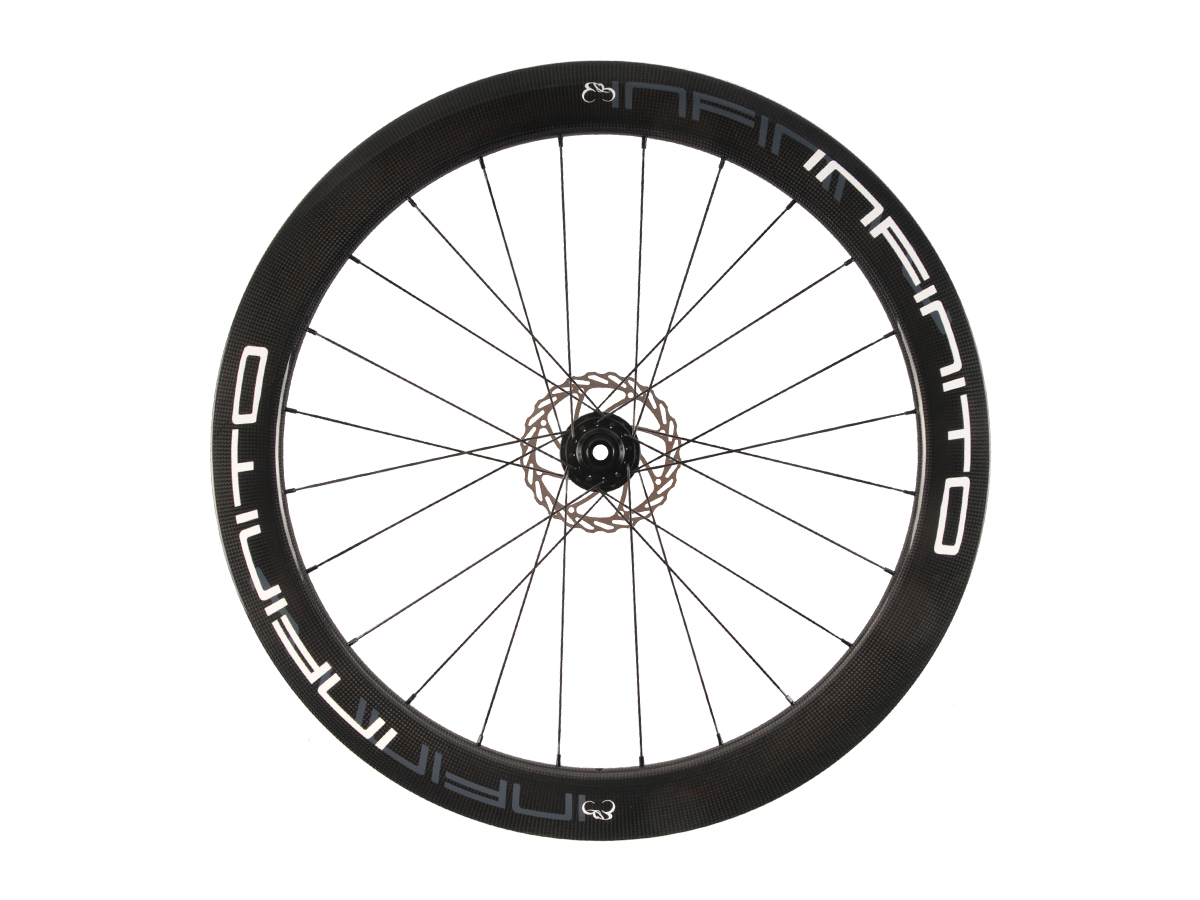 https://infinito-cycling.com/wp-content/uploads/2019/02/D6T-Witte-velg-Zwarte-naaf-Front-1.jpg