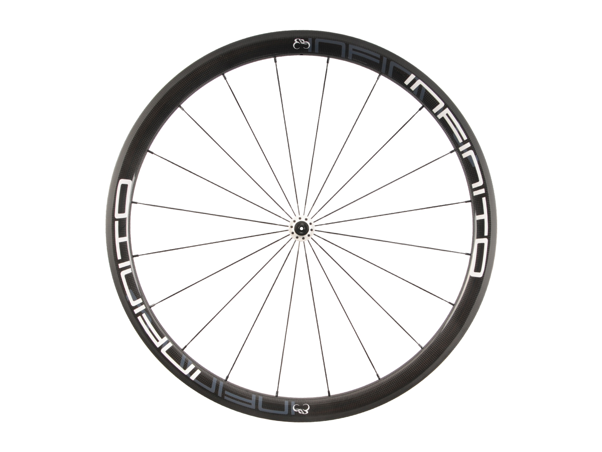 https://infinito-cycling.com/wp-content/uploads/2019/02/R4C-Witte-velg-Witte-naaf-Front-1.jpg