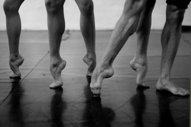 Russian-Ballet-photographer-Darian-Volkova-shares-behind-the-stage-life-of-dancers-09