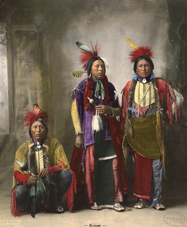 color-photos-native-americans-paul-ratner-moses-on-the-mesa-17-57109311e031d__700
