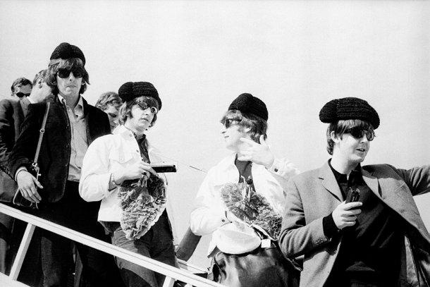 Considerada a primeira fotojornalista espanhola, Juana Biarnés fotografou os Beatles | JUANA BIARNÉS
