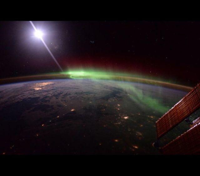 Astronauta reúne melhores imagens da Terra em livro © Tim Peake