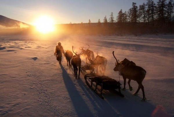oymyakon-village-in-russia-by-amos-chapple-23-677x457