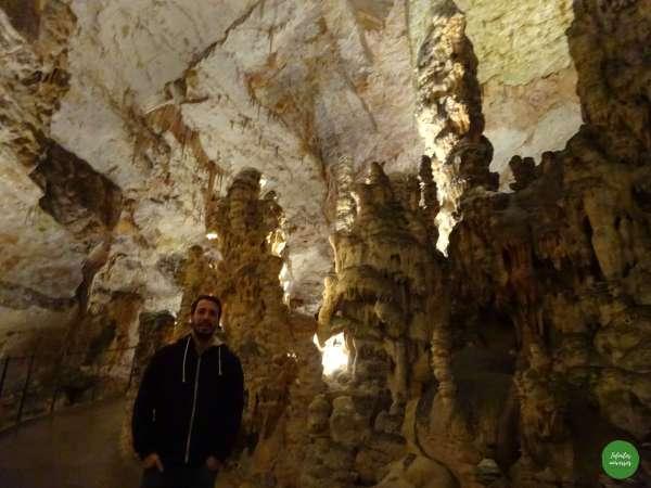 Paseando por las cuevas