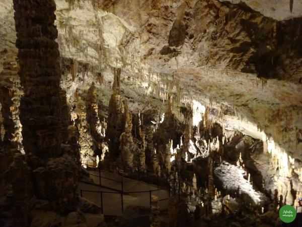 Descenso por la cueva