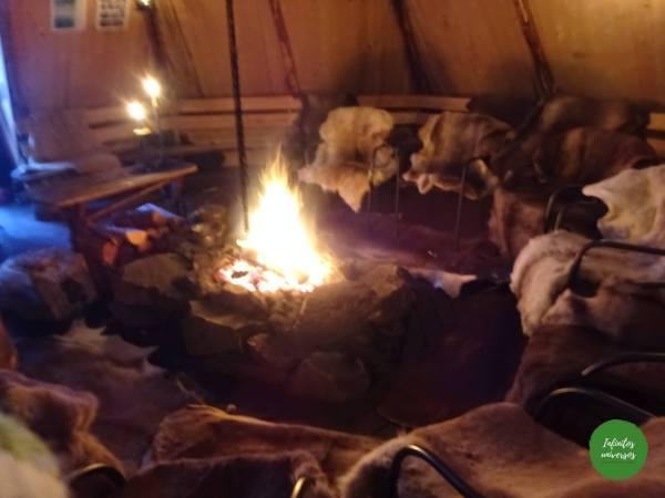 Cabaña típica Sami, Lavvu