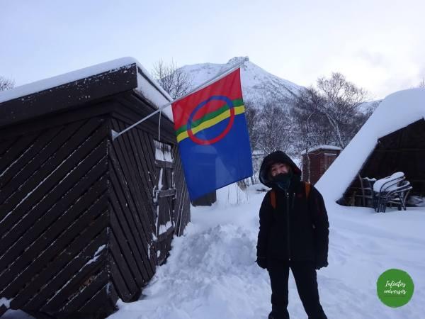 Bandera Sami Laponia Viaje a la Laponia noruega en una semana: visitas, mapa y consejos