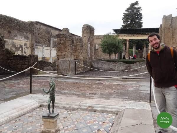 Visita al Parque Arqueológico de Pompeya por libre casa del fauno pompeya