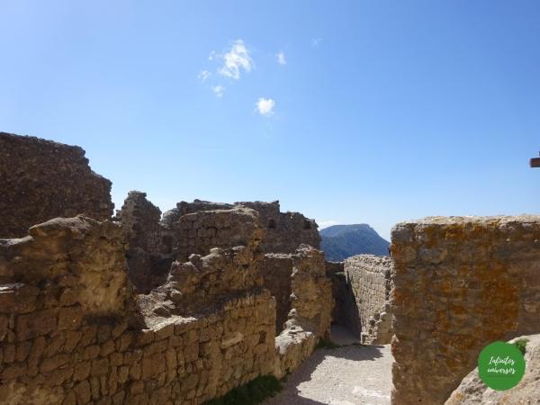 Castillo de Quéribus cátaros Ruta por los castillos cátaros, sur de Francia castillos del sur de francia