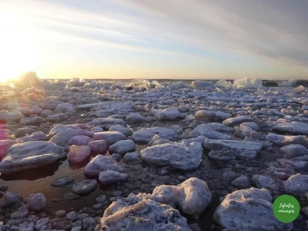 Amanecer en la playa de los diamantes playa de los diamantes Jökulsárlón