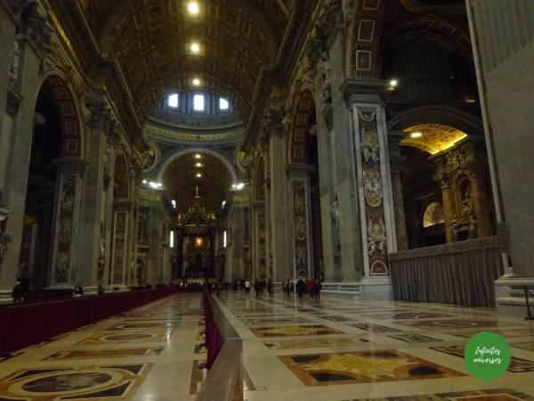 Basílica de San Pedro vaticano cuál es la altura máxima aproximada de la basílica de san pedro el templo católico situado en la ciudad del vaticano