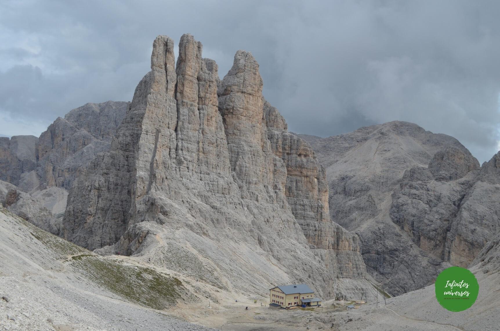 Vajolet towers trekking dolomitas