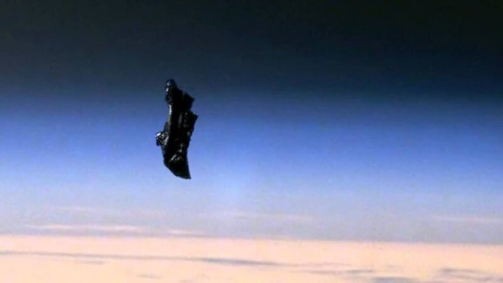 "The Black Knight: Know all the Truth about the ""Extraterrestrial Satellite"""