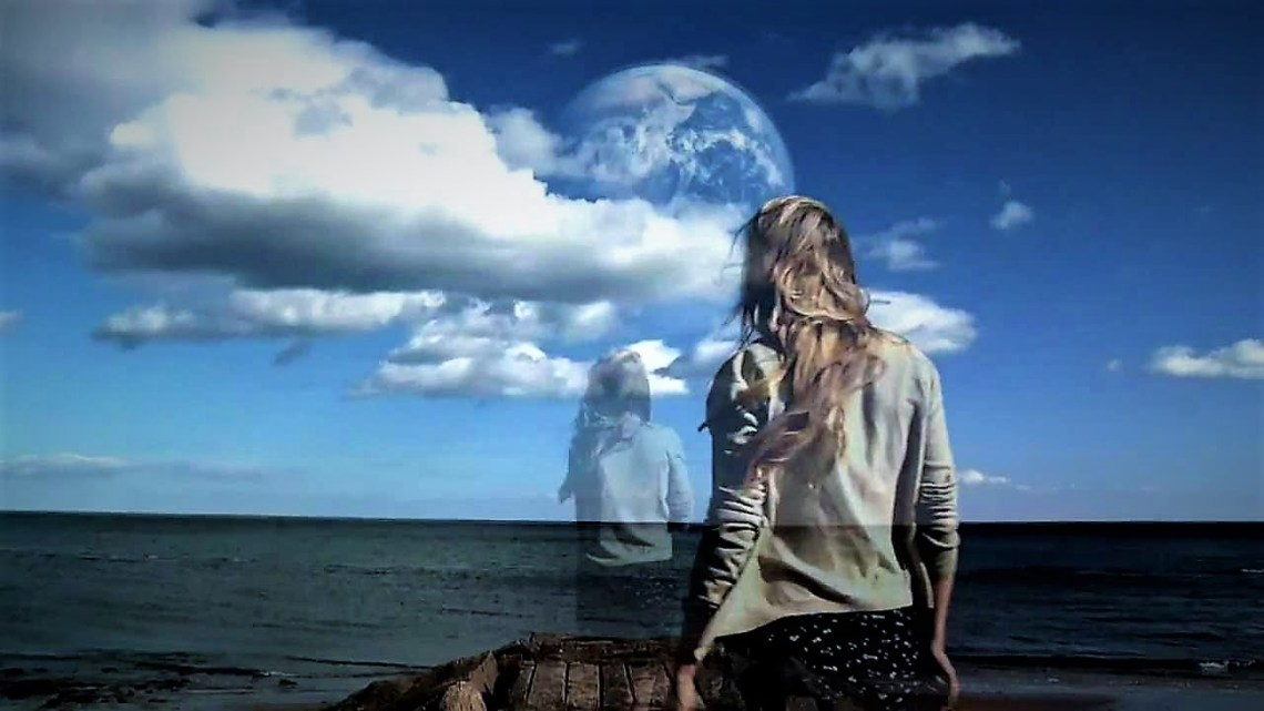The Strange Journey of Carol McElheney : Did this woman visit a Parallel Universe