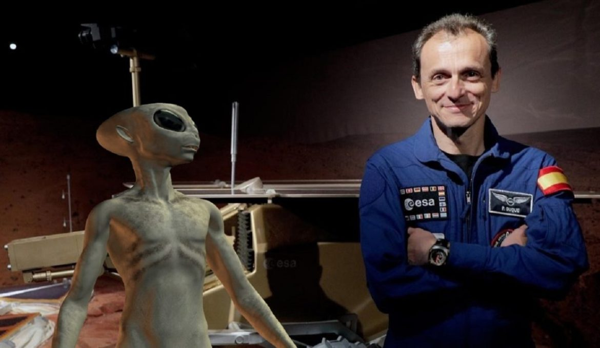 """Pedro Duque : """"Very soon we will find traces of extraterrestrial life"""""""
