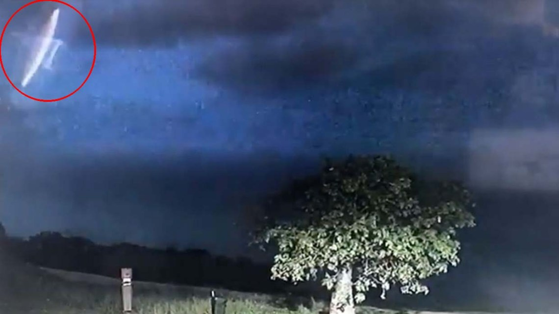Police in an Australian city share images of a UFO during a thunderstorm