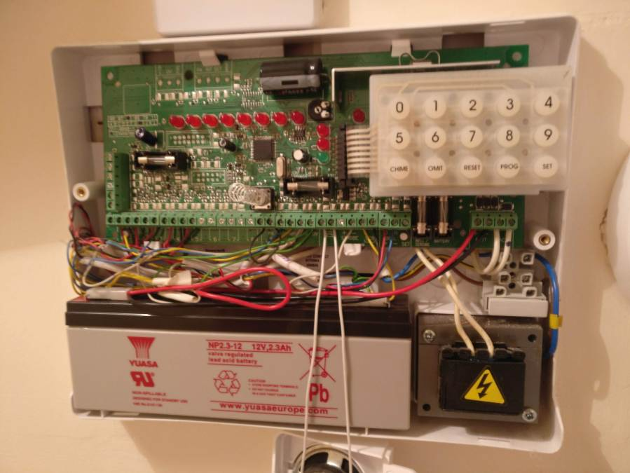 Accenta / Optima alarm box completely opened exposing the components inside