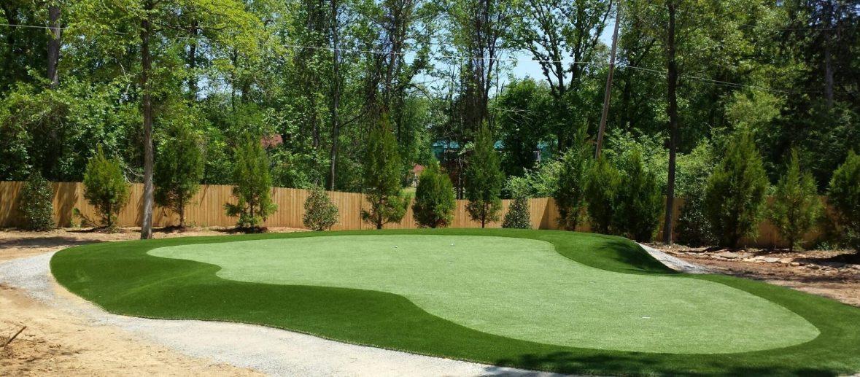 Backyard custom golf green designers