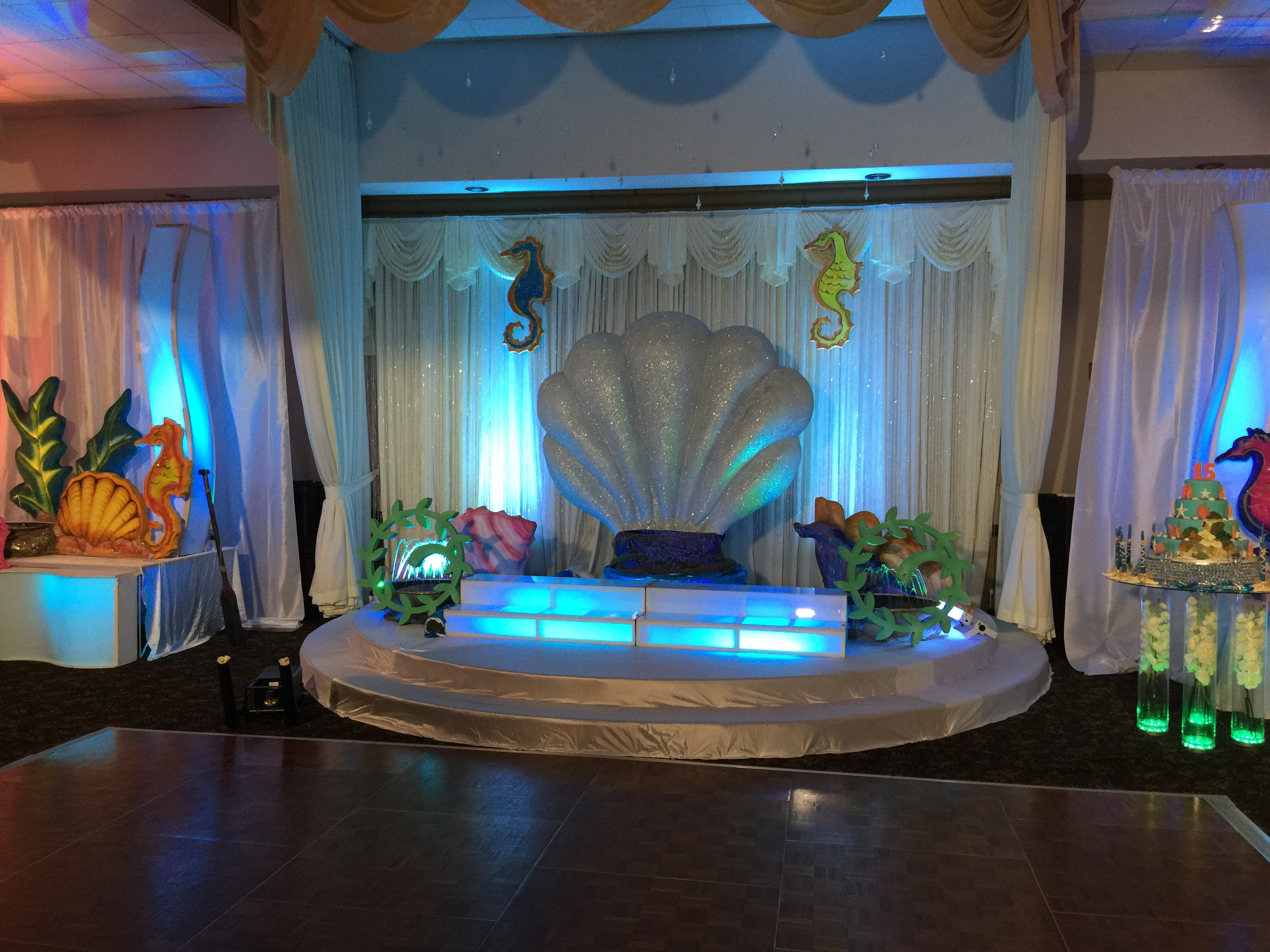 Nautical under the sea quinceanera stage infinity sound for Acuario salon de fiestas