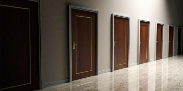 doors-1613314_1920