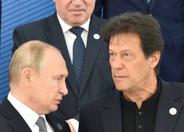 President Putin invites PM Imran for economic moot
