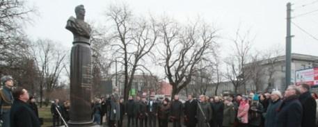 Памятник в честь генерала Милорадовича